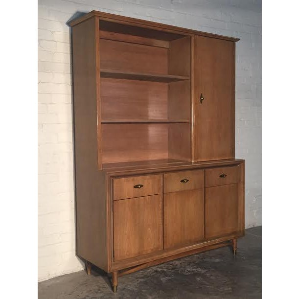 Mid-Century Modern China Cabinet by Kroehler - Image 4 of 9