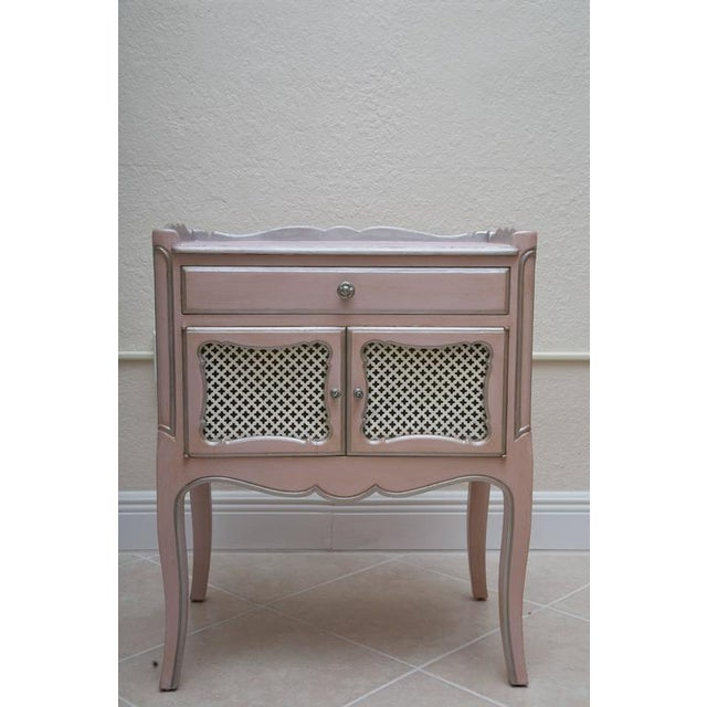 Pair of Pink Painted and Parcel Silver Commodes, 20th Century - Image 8 of 10