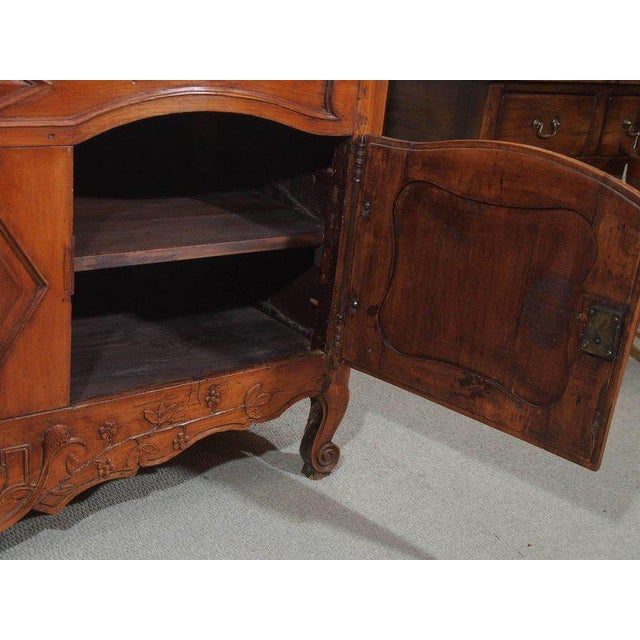 18th Century French Walnut Carved and Inlaid Sideboard, circa 1770 - Image 6 of 7