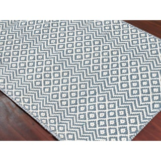 Bella Modern Blue Hand-Woven Rug 4'x6' Preview