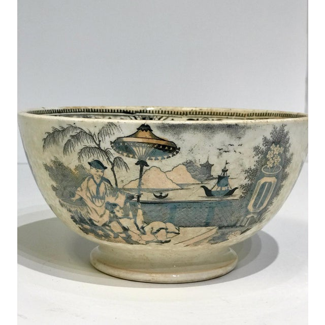An exquisite piece from Petrus Regout Maastricht. This serving bowl from Holland hails from the 1930's and may be...