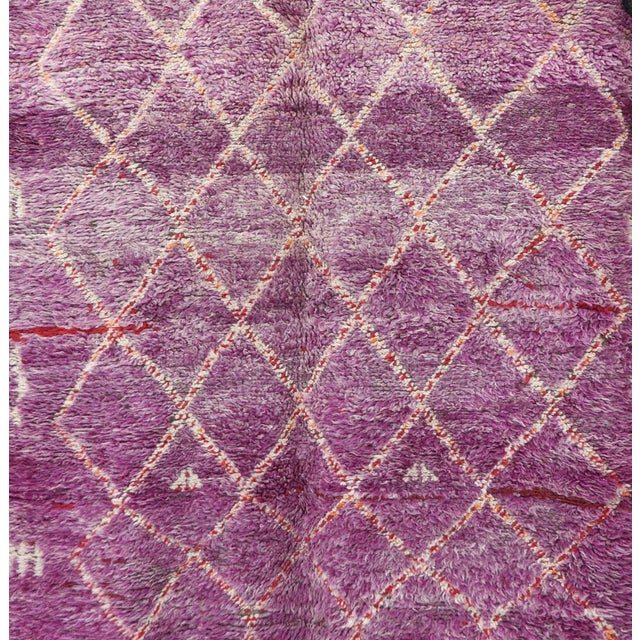 """1970s Boujad Vintage Moroccan Rug - 5'2"""" X 7'9"""" For Sale - Image 5 of 6"""