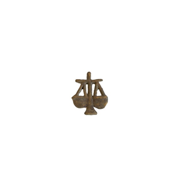 1950s Vintage African Bronze Decorative Scales of Justice For Sale - Image 5 of 5
