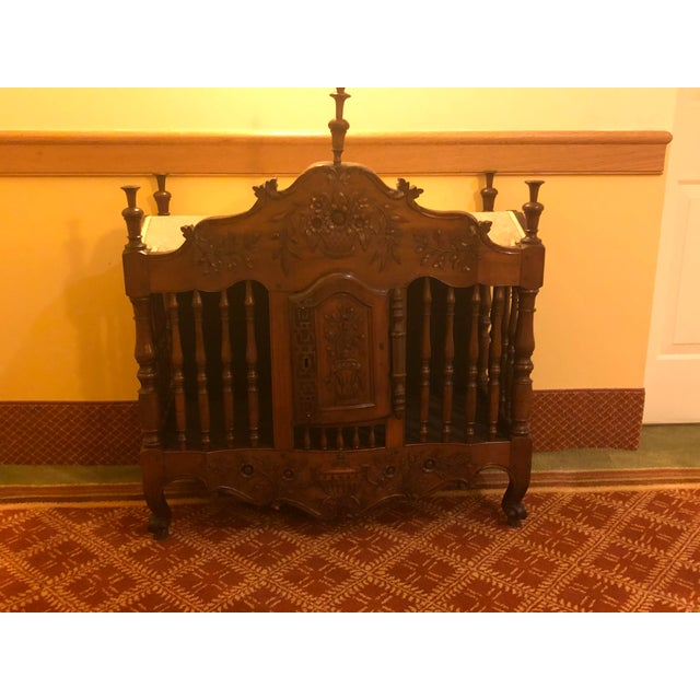French Provincial 18th Century Walnut Panetiere For Sale - Image 3 of 4