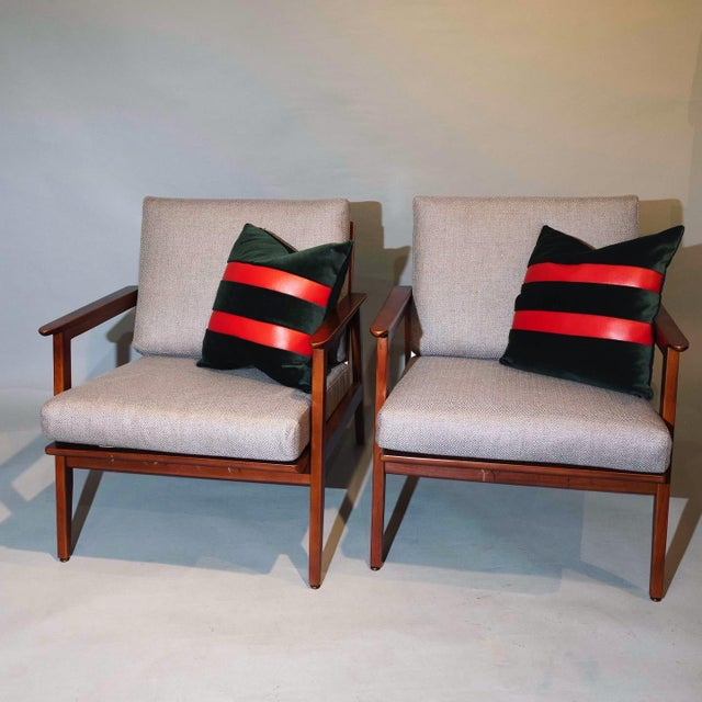Vintage Mid Century Lounge Arm Chairs - a Pair For Sale In New York - Image 6 of 7