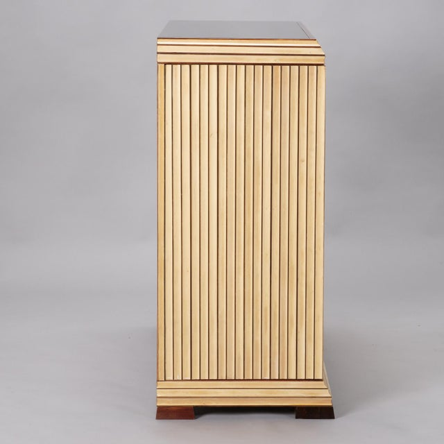 Mid-Century Modern Reeded Maple Cabinet with Rosewood Trim and Black Glass For Sale - Image 3 of 13