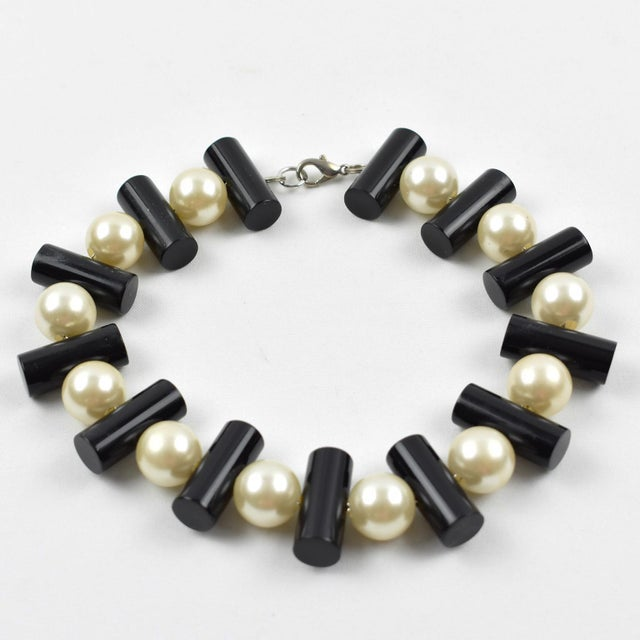 Acrylic Judith Hendler Black and Pearl Acrylic Lucite Dog Collar Necklace For Sale - Image 7 of 7