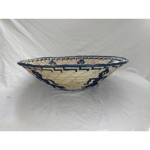 Anglo-Indian Vintage Figurative Woven Sri Lankan Festival Grain Basket For Sale - Image 3 of 7