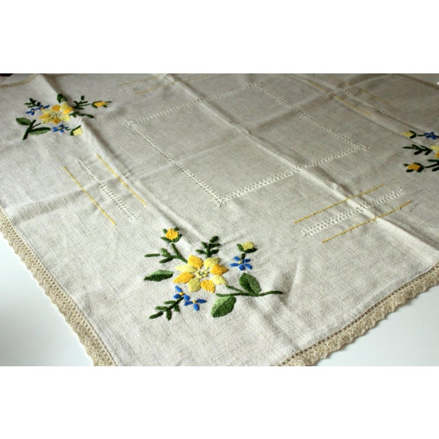 German Tablecloth Handmade - Cotton and Linen, From the 1960s For Sale - Image 4 of 5
