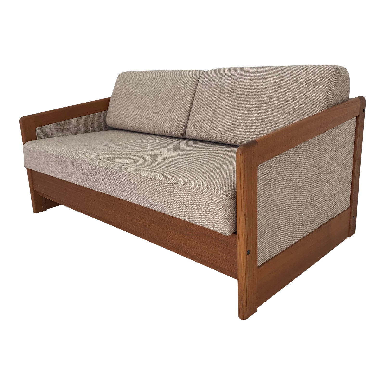 Vintage Scandinavian Style Sofa With Pull Out