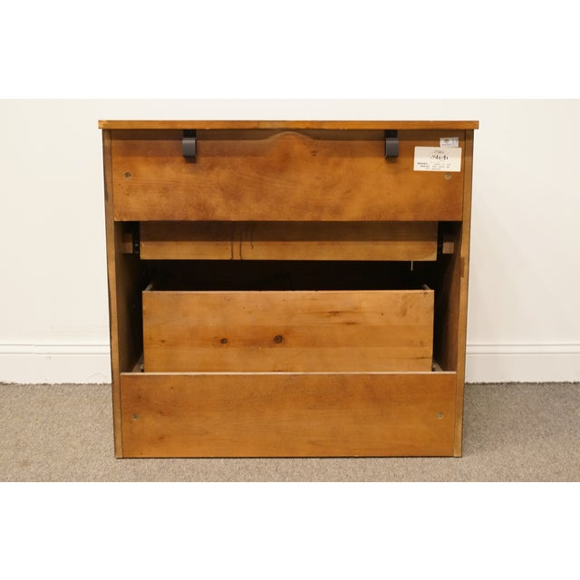 """20th Century Traditional Sligh Furniture the Ellis Line 32"""" Office Storage File Cabinet For Sale - Image 10 of 13"""