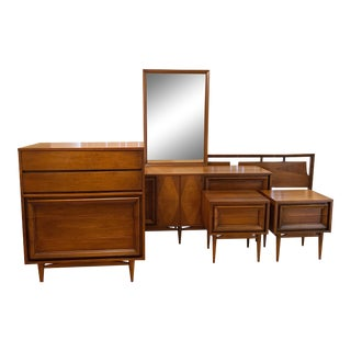 1960s Mid Century Modern Basic-Witz Walnut 5 Pc. King Bedroom Set For Sale