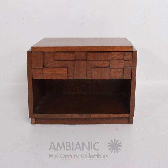 """For your consideration a vintage Lane nightstand with a double dove tail joints drawer and open storage. Measures: 22"""" H x..."""