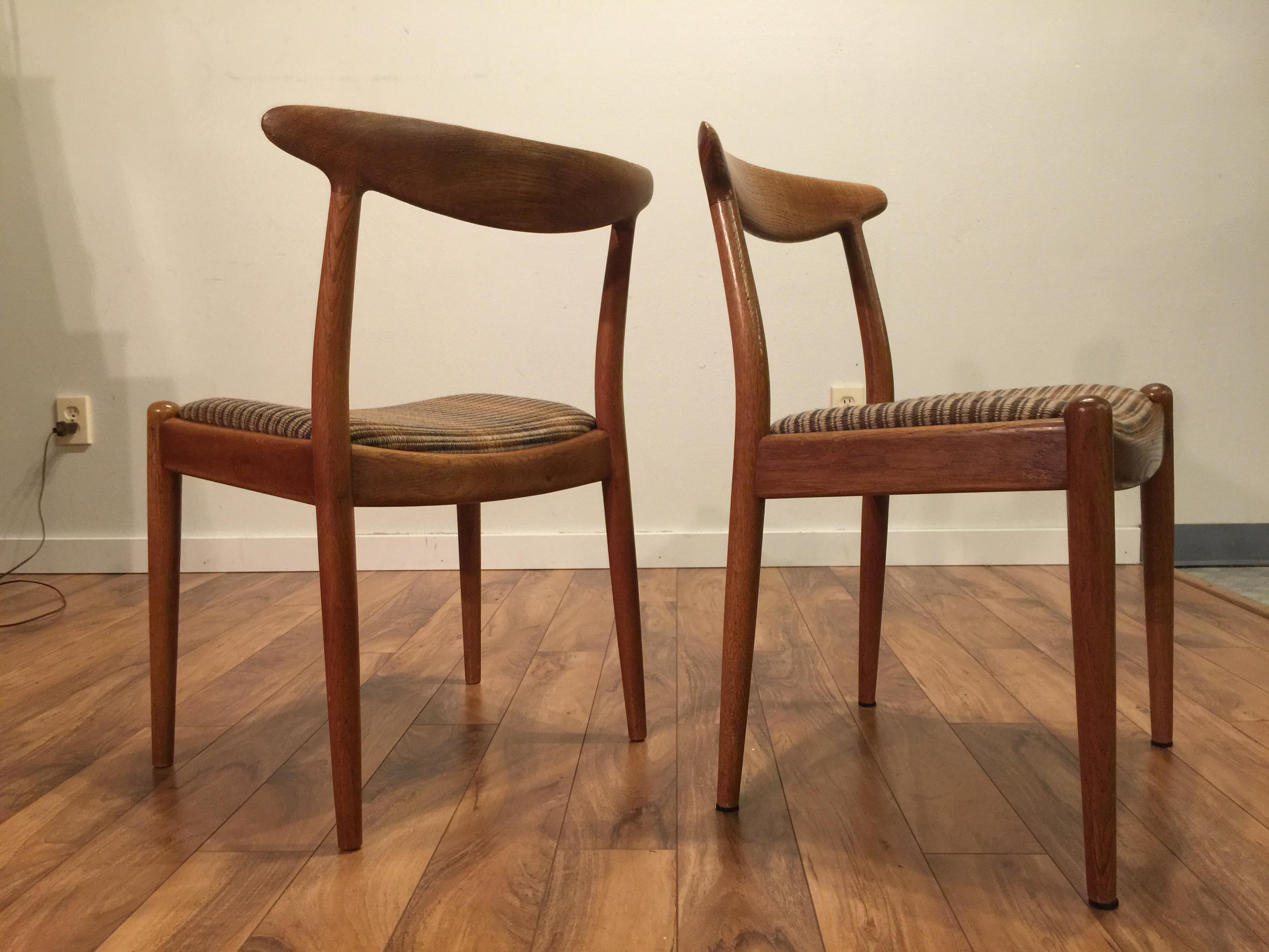 Oak Hans Wegner W2 Oak Dining Chairs   A Pair For Sale   Image 7 Of