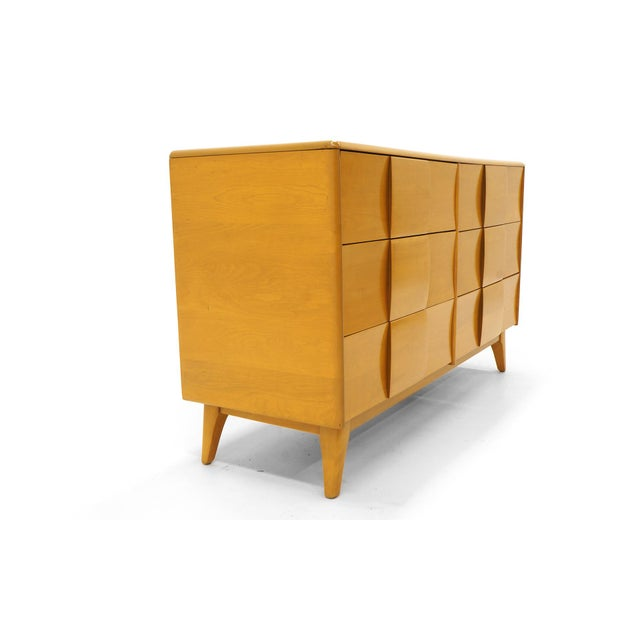 Contemporary Heywood Wakefield Six-Drawer Sculptura Dresser in Original Blonde Finish For Sale - Image 3 of 9