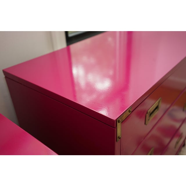 Campaign Lacquered Fuschia Bachelors Chests - a Pair For Sale - Image 10 of 13