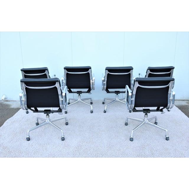 Metal Vintage Mid-Century Modern Herman Miller Eames Soft Pad Black Management Chair For Sale - Image 7 of 13