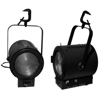 Pair of Vintage Kliegl Bros. Shop No. 22 New York Fresnel Spot Light For Sale