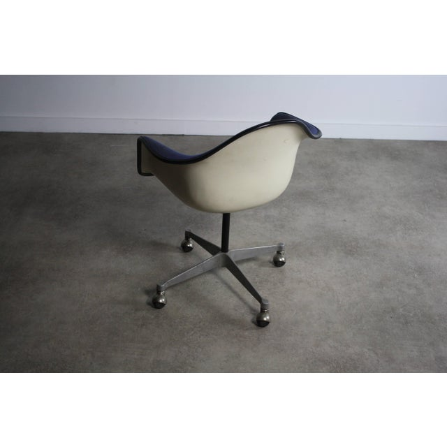 Herman Miller Charles Eames for Herman Miller Mid-Century Chair For Sale - Image 4 of 6