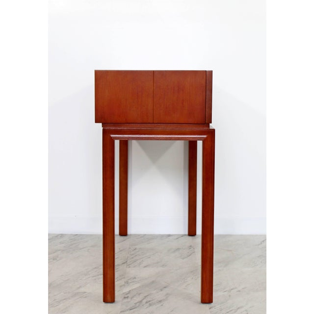 1950s Mid-Century Modern Tommi Parzinger for Charak Console Foyer Table, 1950s For Sale - Image 5 of 10