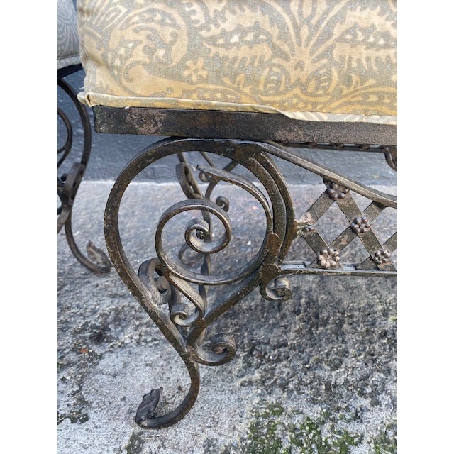 Pair Of 1900's French Iron Benches With Trelice Rosette Motif For Sale In Los Angeles - Image 6 of 13