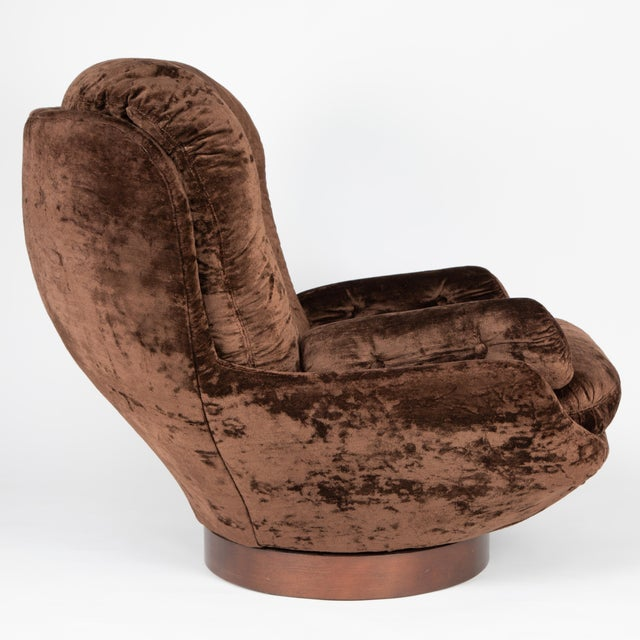 1970's Vintage Selig Brown Lounge Chair & Ottoman For Sale In New York - Image 6 of 13