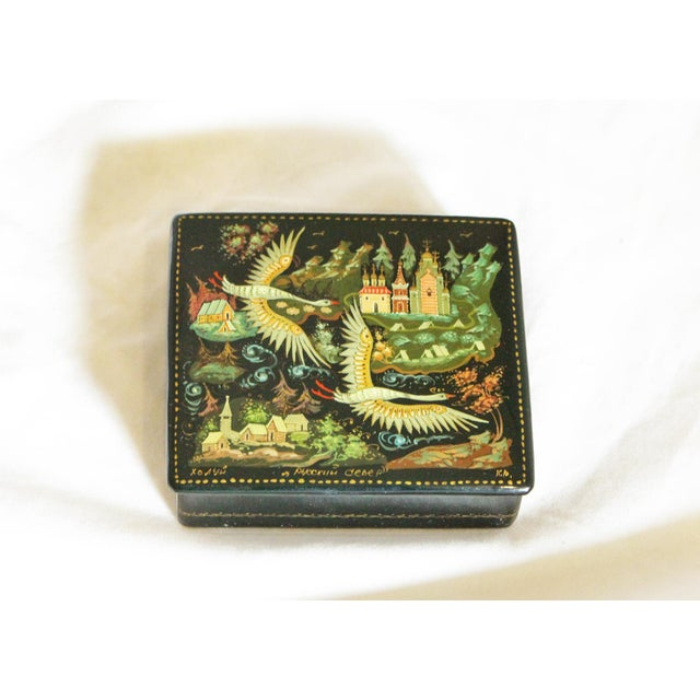 1960s Russian Lacquer Box With Bird Scene For Sale - Image 5 of 5