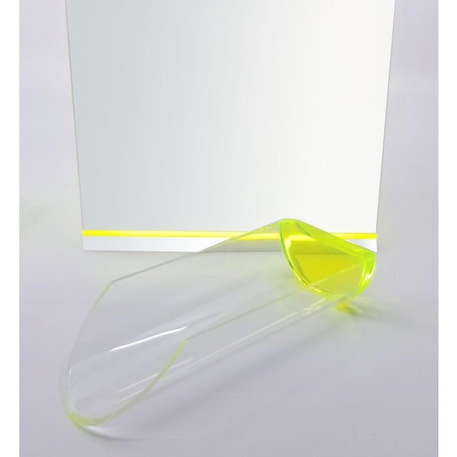 Tinsley Mortimer Fluorescent Neon Yellow and White Lucite Ice Bucket With Lid - Contemporary For Sale - Image 10 of 13