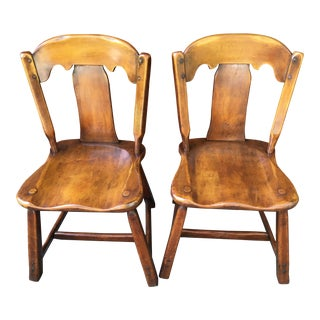 1920 Cushman Style Maple Colonial Cobbler's Chairs - a Pair For Sale