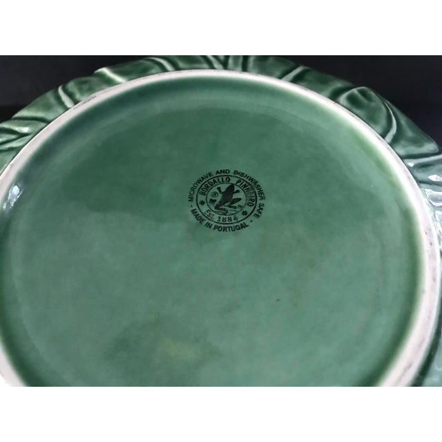 1980s Large Bordallo Pinheiro Majolica Green Cabbage Leaf Salad Bowl For Sale In New York - Image 6 of 9