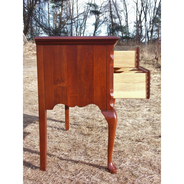 1980s Vintage Pennsylvania House Solid Cherry Traditional Queen Anne Style Lowboy Chest For Sale - Image 5 of 13