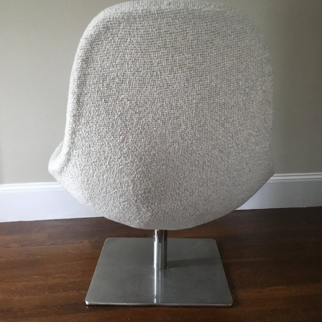 Mid Century Modern Swivel Lounge Chair For Sale In New York - Image 6 of 7