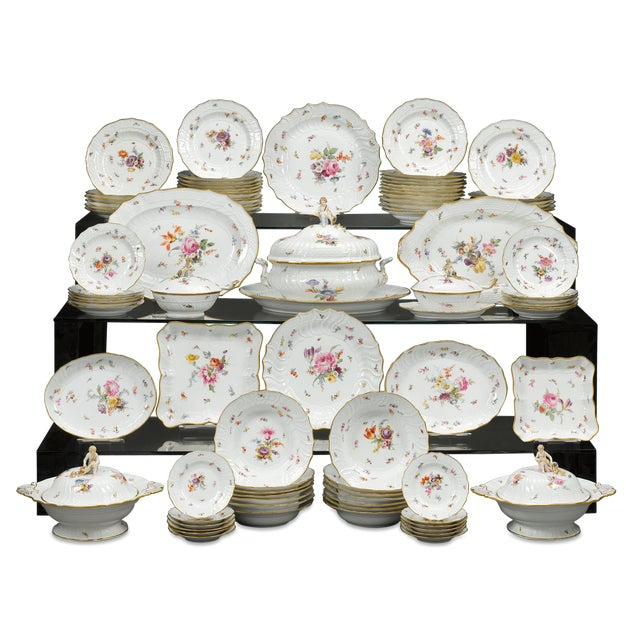 Meissen Porcelain Dinner Service, 92 Pieces For Sale In New Orleans - Image 6 of 6