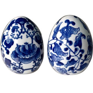 Vintage Chinoiserie Blue and White Porcelain Decorative Eggs - a Pair For Sale