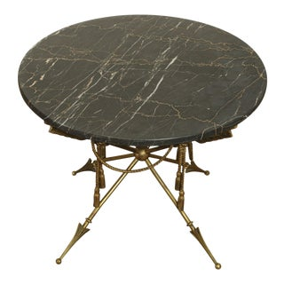 Vintage Italian Neo-Classical Regency Style Brass Crossed Arrows, Round Marble Top Coffee Table For Sale
