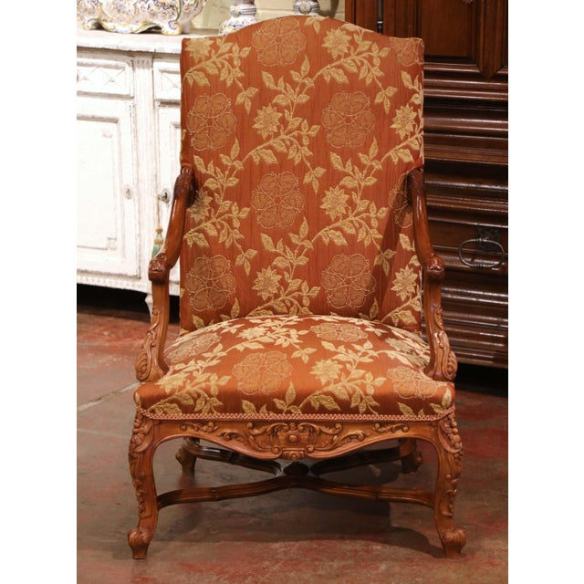 Late 19th Century 19th Century Louis XV Carved Walnut Armchairs From Provence - a Pair For Sale - Image 5 of 13