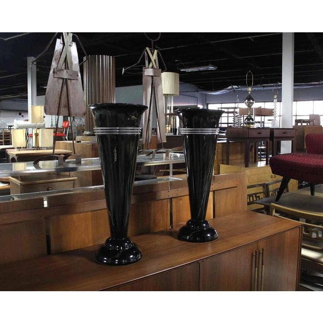 Mid-Century Modern Pair of Tall Urn Shape Lamps For Sale - Image 3 of 8