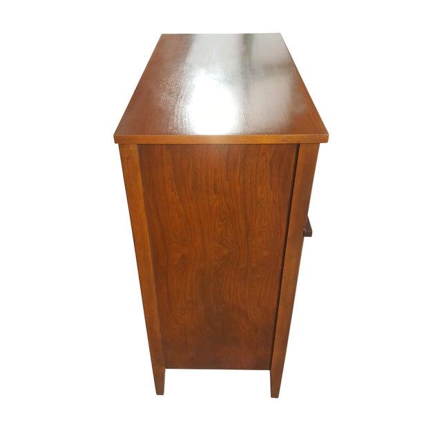 Broyhill American Mid-Century Modern - Mid-Century Modern - Highboy / Dresser For Sale - Image 4 of 9