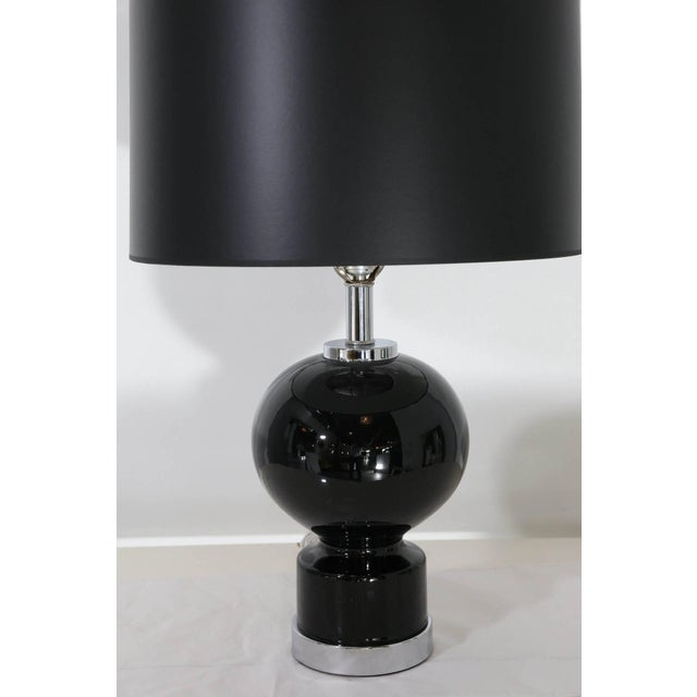 Mid Century Modern Pair of Modern Black Ceramic and Chrome Table Lamps - Image 5 of 9