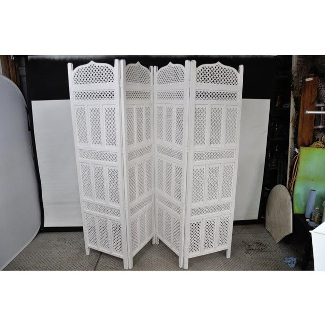 Vintage Mashrabiya Wooden Floor White Screen For Sale - Image 13 of 13