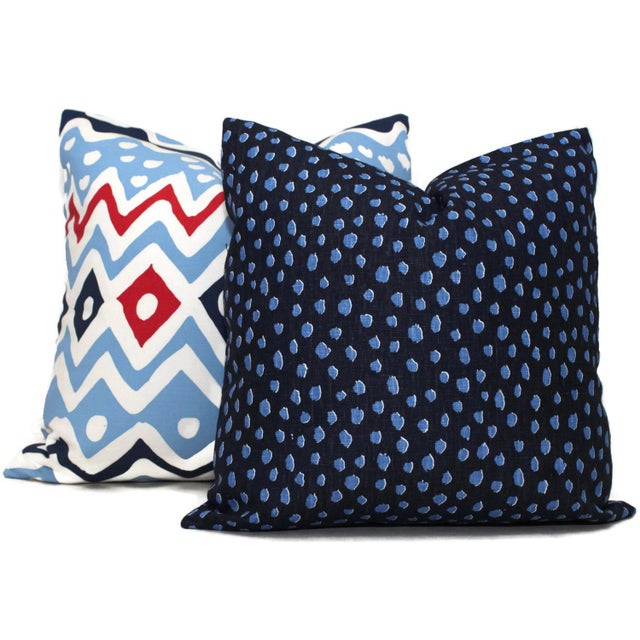 Add a pop of blue to your room with this two tone blue spotted pillow. A great basic that pairs well with other blue...