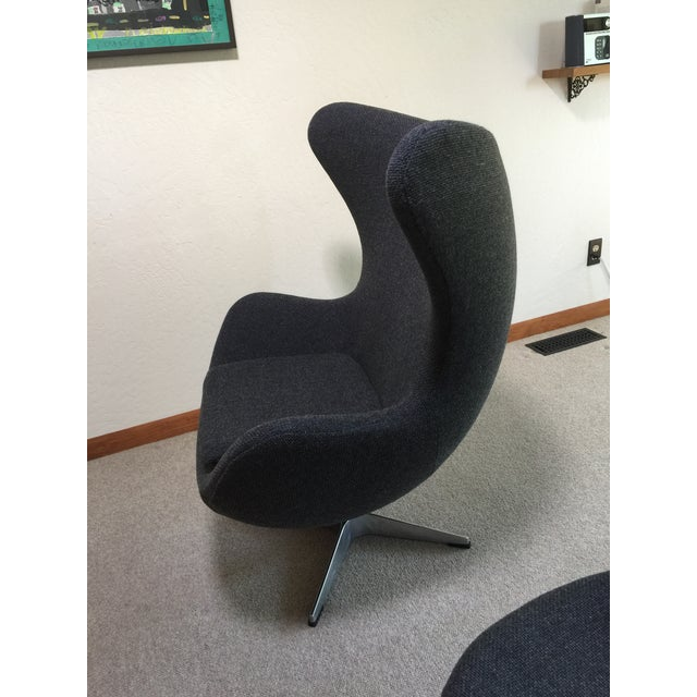 Textile Mid Century Modern Egg Chair - Designed by Arne Jacobsen in 1958 For Sale - Image 7 of 13