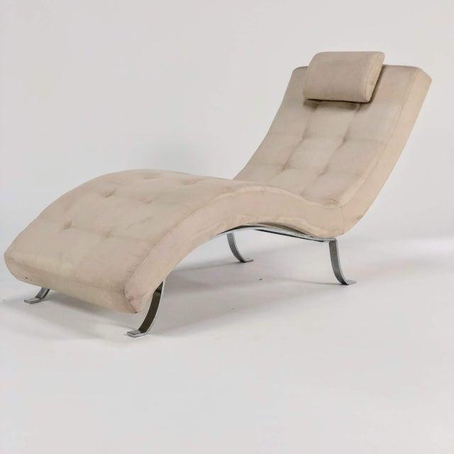 Chrome Mid-Century Modern Beige Upholstered Chromed Frame Chaise Lounge For Sale - Image 7 of 7