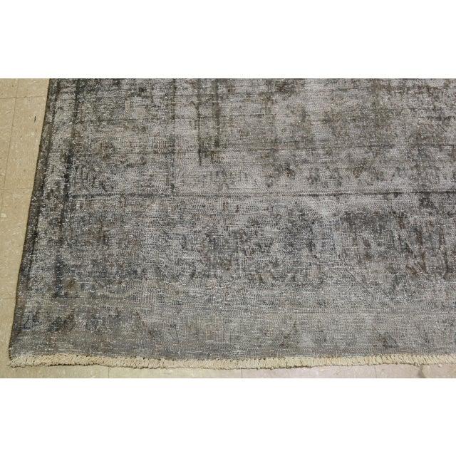 "1940s Boho Chic Persian Gray Wool Kerman Rug - 9'6""x13'8"" For Sale - Image 4 of 6"