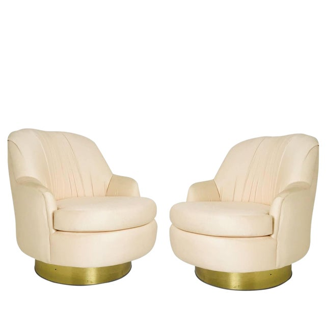 Pair of Vintage Peach Milo Baughman Swivel Chairs With Brass Plinths For Sale