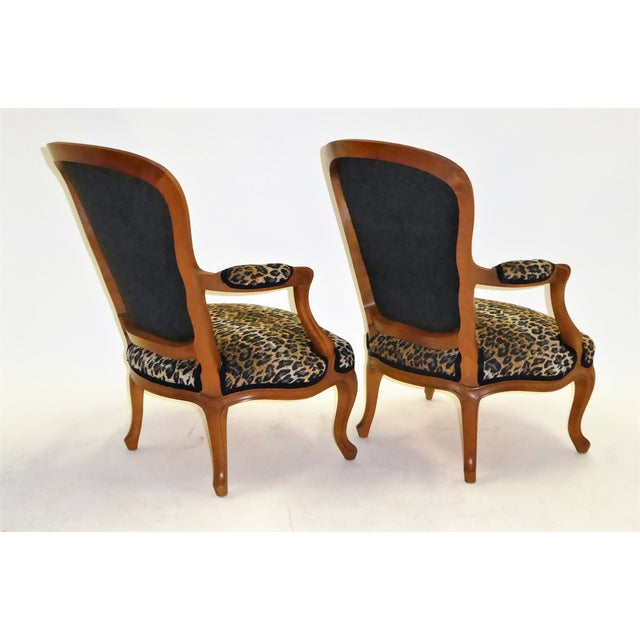 French Lovely Pair of Louis XV Style Fauteuils or Chauffeuses by Saridis in Leopard Chenille, 1960s For Sale - Image 3 of 13