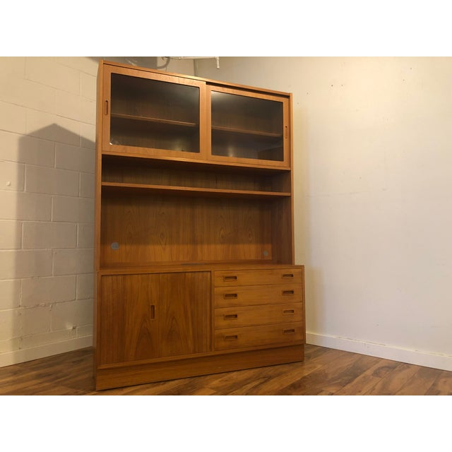 Danish Modern Poul Hundevad Teak Sideboard With Display Hutch For Sale - Image 3 of 10