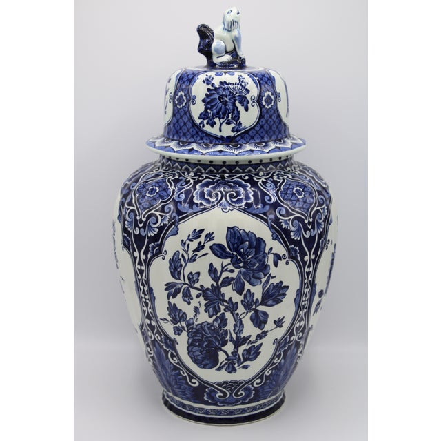 Traditional Extra Large Mid-20th Century Dutch Blue and White Royal Maastricht Delft Ginger Jar For Sale - Image 3 of 13