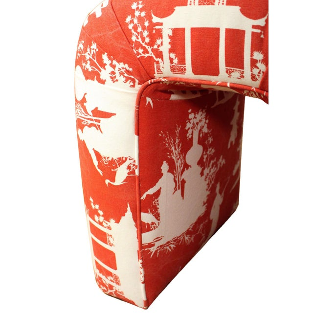 Vladimir Kagan Mid-Century Kagan Style Waterfall Bench Stool in Vintage Red Reverse Toile Chinoiserie Linen For Sale - Image 4 of 8