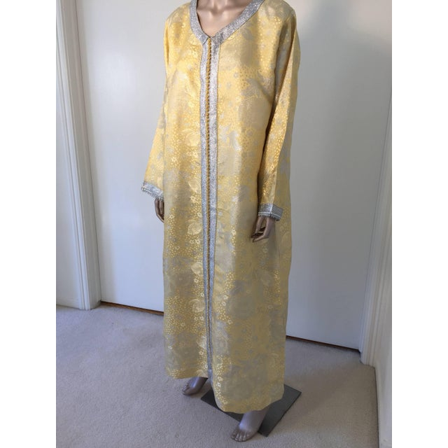Metallic Gold and Silver Brocade 1970s Maxi Dress Caftan, Evening Gown Kaftan For Sale - Image 4 of 10
